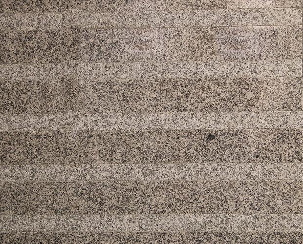Granito gris marma pulido y abujardado
